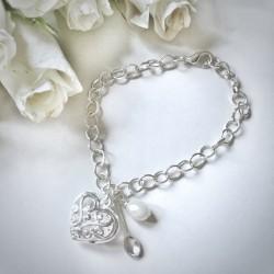 Graceful Heart Bracelet with glass drop pearl bead